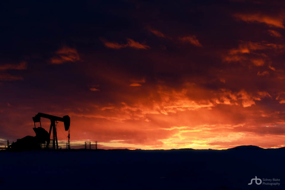 pumpjack, drilling, gas, oil, environmental, industrial, machinery, economy, energy, sunrise, winter, silhouette, snow