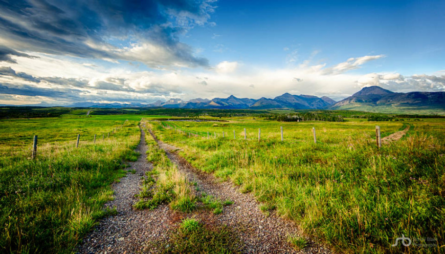 Canadian Rockies, late summer morning in Southern Alberta landscape, Alberta farmland.